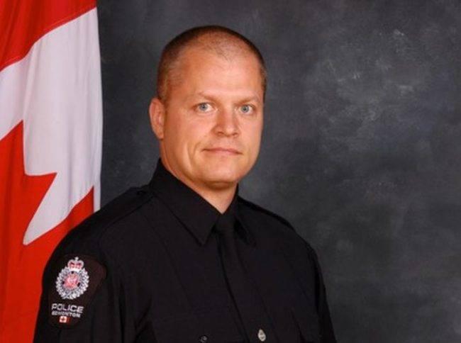 テロ攻撃にあった警官のマイク・チャーニックさん