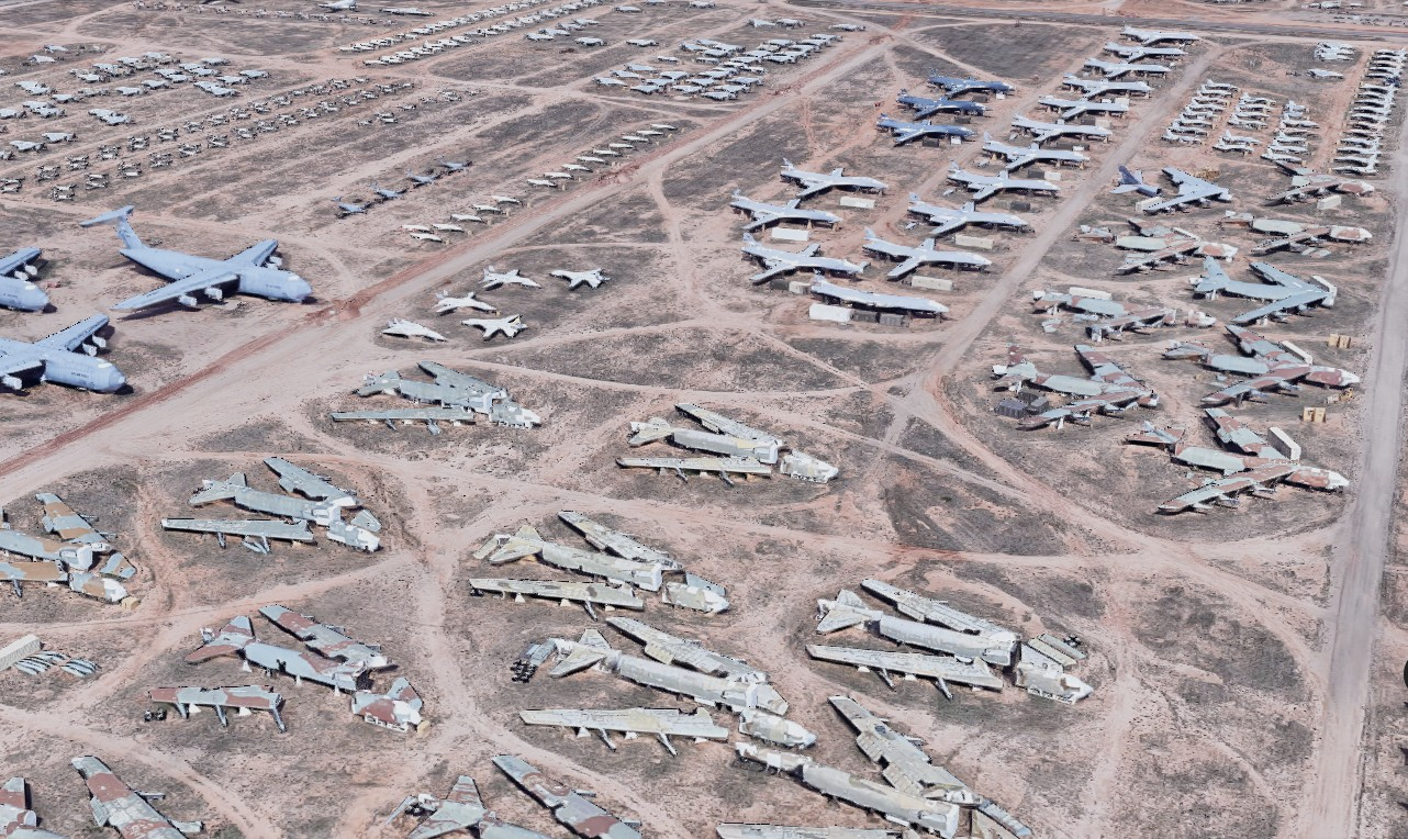 【出典:Googleマップ】アリゾナ州にある飛行機の墓場デビスモンサン空軍基地