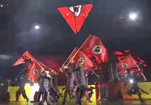 【出典:seotaiji/YouTube】ナチス風の演出でパフォーマンスするBTS