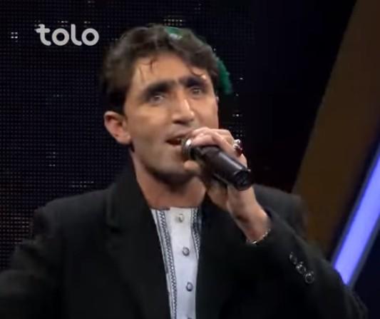 【出典:AfghanstarToloTV /YouTube】アフガニスタンの歌番組に登場したアブドゥルさん